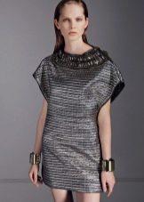 маленькое серебристое платье из парчи