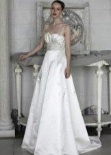 свадебное платье из парчи с бретелями