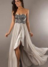 платье из сатина с расшитым лифом