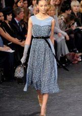 Серое платье в стиле ретро