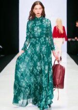 Красная сумка к  зеленому платью