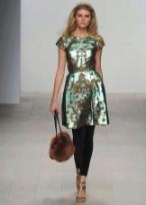 Меховая сумка к зеленому платью