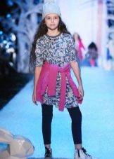 Трикотажное платье для девочки с подиума