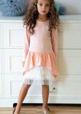 Трикотажное праздничное платье для девочки короткое