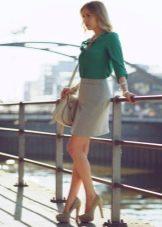 С чем носить юбку карандаш - сумка