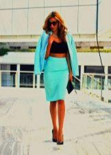 С чем носить деловую юбку карандаш - сумка, пиджак и босоножки