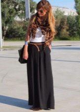 Длинная черная юбка полусолнце- повседневный образ