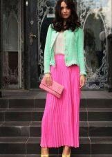 розовая летняя гофрированная юбка