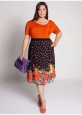 яркая юбка-миди для полных женщин