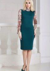 Платье с рукавами с контрастными рукавами