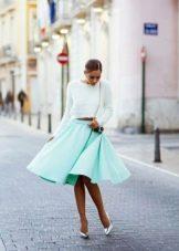 Летняя юбка мятного цвета для полных девушек