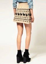 Вязаная юбка-мини налето