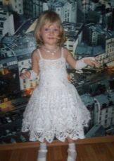 Новогоднее вязаное платье Снежинка для девочки