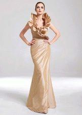 платье из тафты с оригинальным воротником