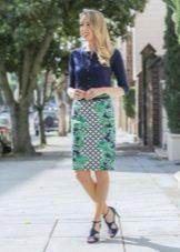 Прямая с принтом юбка средней длины