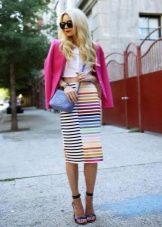 Прямая юбка в разноцветную полоску