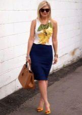 Синяя прямая юбка