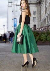 юбка-миди из зеленого шелка