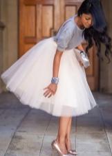 романтичная пышная юбка-миди