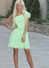 Короткое салатовое платье