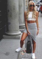 Серая трикотажная асимметричная юбка карандаш