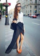 длинная шифоновая юбка с разрезом
