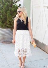 Кружевная летняя юбка ниже колена