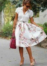 Летняя юбка полусолнце ниже колена с цветочным принтом