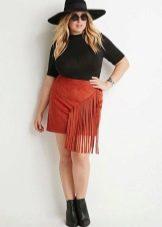 Красно-кирпичная юбка мини с бахромой