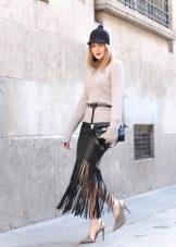 Длинная юбка с бахромой