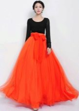 Длинная шифоновая юбка с бантом оранжевого цвета