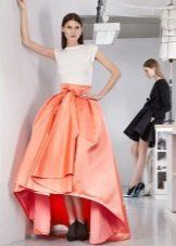 Атласная длинная юбка с бантом