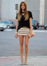 Фото стройные ножки в мини юбках