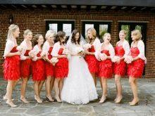 Пышные красные платья для подружек невесты