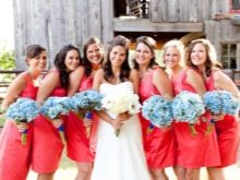 Ярко-розовые платья для подружек невесты