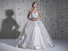 Свадебное платье пышное с рукавами прозрачными