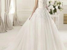 Пышное свадебное платье с объемными цветами