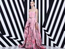 Розовое платье с сиреневым ринтом