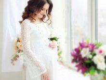 Кружевное белое платье для фотосессии беременных