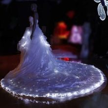 Шикарное свадебное платье с подсветкой