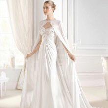 Свадебное платье с мантильей