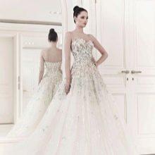 Свадебное платье с аппликацией от ZUHAIR MURAD
