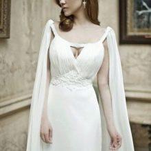 Платье в греческом стиле со шлейфом ватто