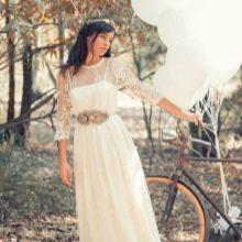 Свадебное платье в стиле рустик с кружевным верхом