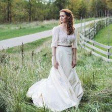 Свадебное платье в стиле рустик с рукавами