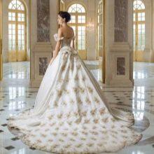 Свадебное платье со шлейфом Вато