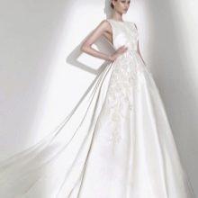 Свадебное платье от Elie Saab закрытое