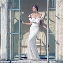 Свадебное платье от Giuseppe Papini с оригинальным декольте