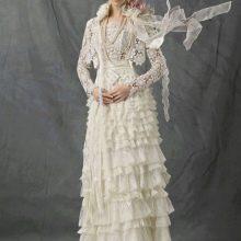 Свадебное платье из подиума с лифом вязанным крючком