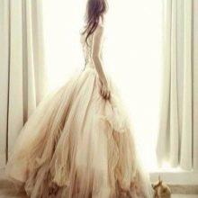 Пышное свадебное платье цвета айвори из шифона